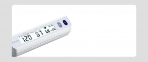A Raycome hospital-use blood pressure monitor