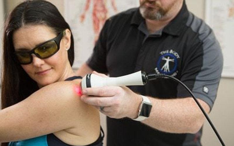 Laser treatment for shoulder blade pain
